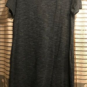 Casual Black/Gray dress with pockets.